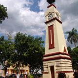 Reloj en la plaza principal
