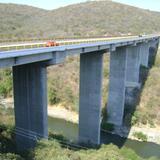 Puente sobre el Río Amacuzac en la autopista del Sol. Pueblo Viejo, Morelos