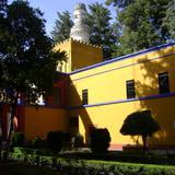 Patio y edificio del museo. Ex-Hacienda de Chautla, Puebla. 2011