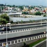 Zona norte de la ciudad de Cuernavaca desde la autopista a México. 2006