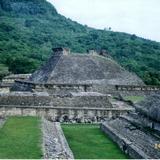 Uno de los 17 juegos de pelota. El Tajín, Veracruz. 2002