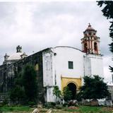 Cementerio en el atrio del ex-convento del siglo XVI. Hueyapan, Morelos. 2006