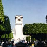 La torre del reloj en el jardín Hidalgo. Irapuato, Gto. 2001