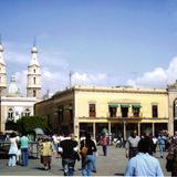 Plaza Fundadores y Catedral (1765). León, Gto. 2003