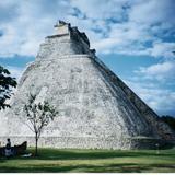 Templo del Adivino. Uxmal, Yucatán. 2003