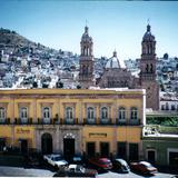 Las torres de la Catedral y centro de la cd. de Zacatecas. Diciembre/2003