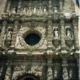 En cantera rosa la obra maestra del barroco exuberante. Zacatecas. 2002