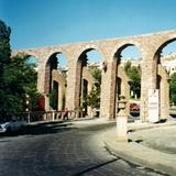 Acueducto del Cubo y la calle González Ortega. Zacatecas. 2002