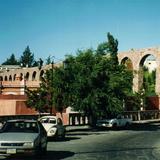 Calle González Ortega y el acueducto del Cubo. Zacatecas. 2002
