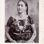 Matrona Tehuana con un collar de 3,000 dólares