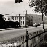 Palacio y calle