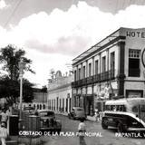 Costado de la Plaza Principal. HoteL Plaza