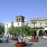 Plaza Guadalajara y Templo de la Soledad. Noviembre/2011