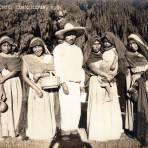 Familia otomí en Ixmiquilpan