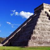 Kukulkán descendiendo en Chichén Itzá / Mayas 2012