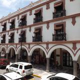 Vista posterior del Palacio Municipal y la calle Zaragoza. Julio/2012