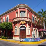 Edificio en la Plazuela Machado.