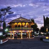 """Plaza de La Constitución: """"Al caer la noche"""""""
