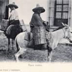 Indígenas en burro