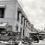 Calle Principal y Hotel Progreso (c. 1927)