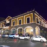 Presidencia municipal de noche.