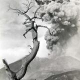 ERUPCION VOLCANICA Hacia 1945