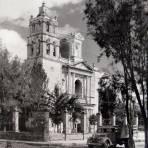 LA PARROQUIA Y PLAZA PRINCIPAL Hacia 1945