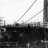 Puente internacional sobre el Río Bravo