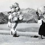 TIPOS MEXICANOS VENDEDORES DE OLLAS por el fotografo MANUEL CARRILLO