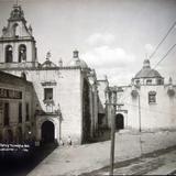 Escuela de Ninos y el templo de el Carmen Alla por 1930-1950