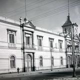 Palacio de Gobierno entre
