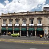 Los portales de la Av. Madero y el Hotel Casino. Marzo/2016