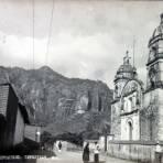 Camino al Tepozteco e Iglesia ( 1930-1950 )