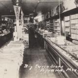 Interior del Big Curio Store