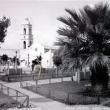 Iglesia y Jardin