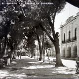 El Zocalo y el Palacio de Gobierno