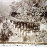 Viaducto de la Barranca de infiernillo por el fotografo Abel Briquet ( Fechada el 14 de Sep de 1904 )