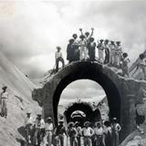 Construccion de algun puente Lugar no Identificado