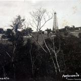 Perforando un pozo en los Alrededores de Tampico  ( Fechada el dia 11 de mayo de 1922 )