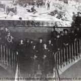 Cadetes y Oficiales en la Escalinata de el Castillo de Chapultepec Cd. de Mexico.