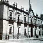 Palacio de gobierno Por el fotografo Hugo Brehme.