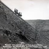 Plano inclinado de la Cia Electrica de la barranca de Huentitan ( Circulada el 25 de Julio de 1934 ).