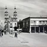 Escena Callejera  de Leon Guanajuato.