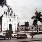 Iglesia y plaza de Santiago.