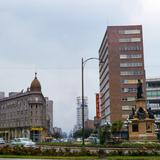 Glorieta Colón y Hotel Imperial en Paseo de la Reforma (1952)