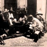 La hora de la comida en Ixtacalco Por el fotografo Hugo Brehme ( Circulada el 3 de Agosto de 1921 ).
