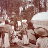 Tipos mexicanos  vendedoras de flores en Los canales de Xochimilco Ciudad de México( Circulada Nov.1913 ).