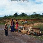 Tipos mexicanos Vendedoras de Pinas en la carretera Tehuantepec, Salina Cruz Oaxaca 1956
