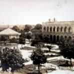 Aspecto del Parque y palacio municipal. - Cosamaloapan, Veracruz
