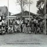 Trabajadores en los alrededores del Rio Balsas Guerrero.